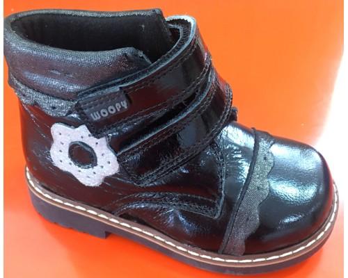 Ботинки д/дев черный кожа лак (21) Вупи